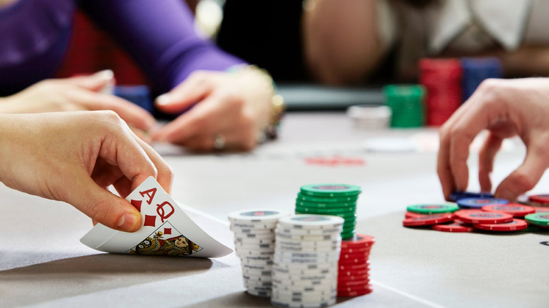Poker Online kiếm tiền tươi từ sòng bạc tại gia